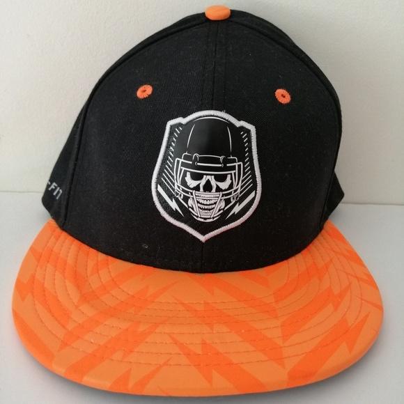 NIKE FLYRUSH BLACK ORANGE FITTED CAP